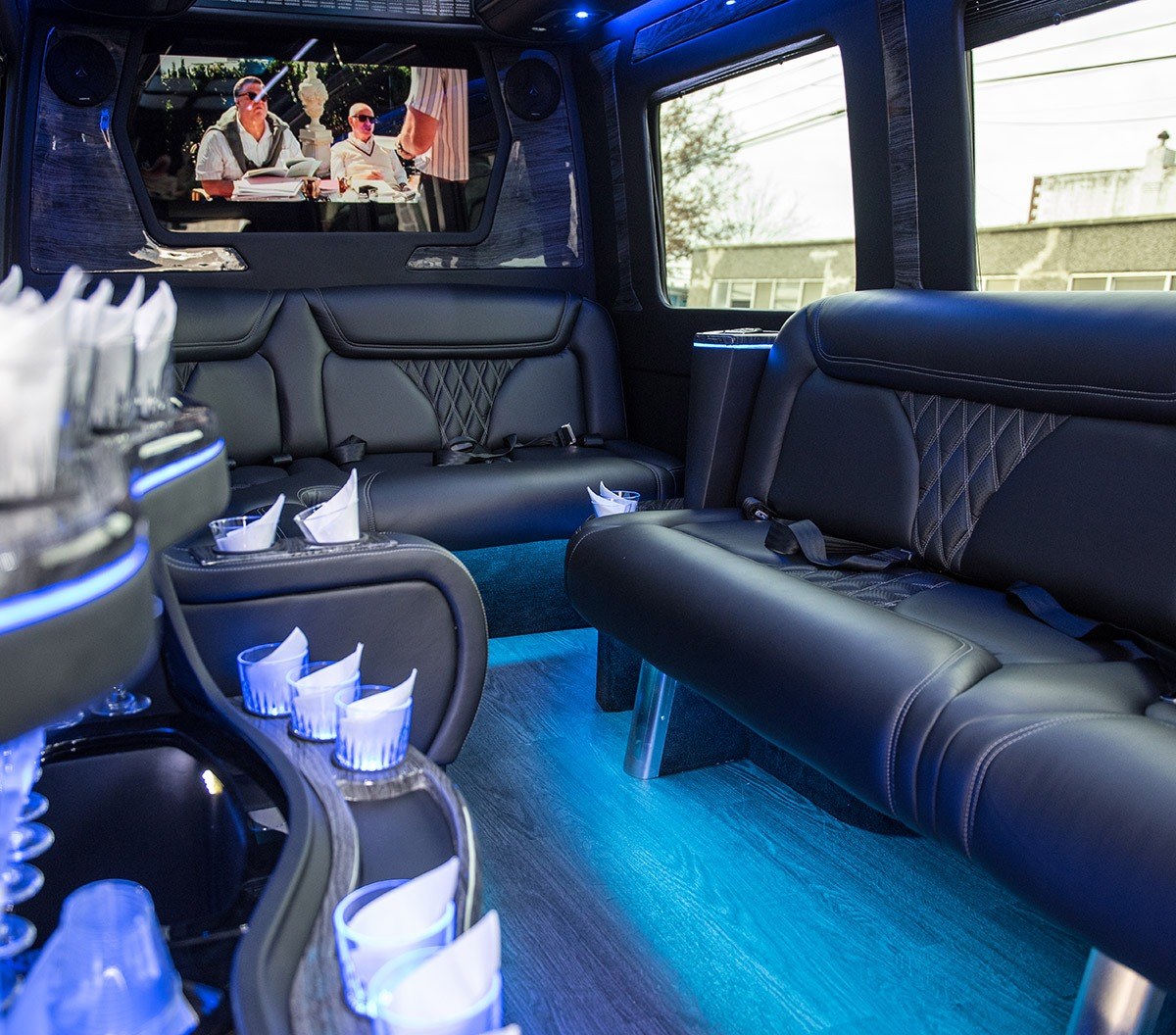 party van for hire airport transfers of new york. Black Bedroom Furniture Sets. Home Design Ideas